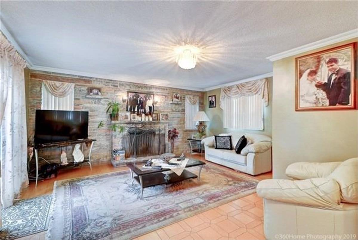 308 Maple Leaf Dr Toronto Nick Rano